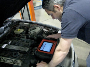 Car Mechanic Using Computer system